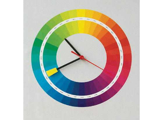 Reloj Que Reutiliza Un Antiguo Circulo Cromatico