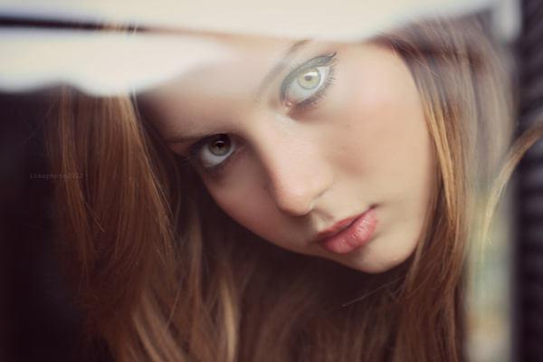 mirada con ojos verdes