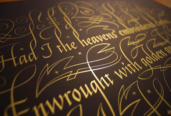 caligrafía color oro