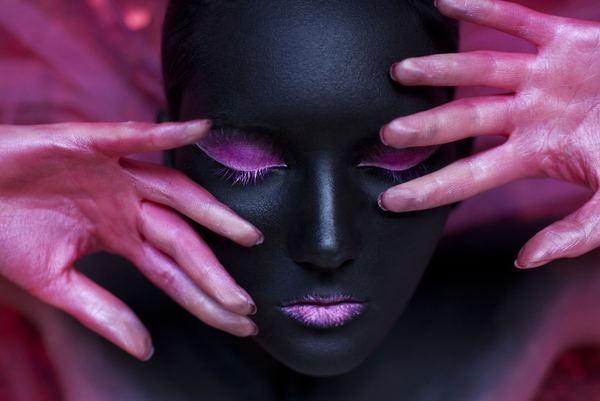modelo con maquillaje