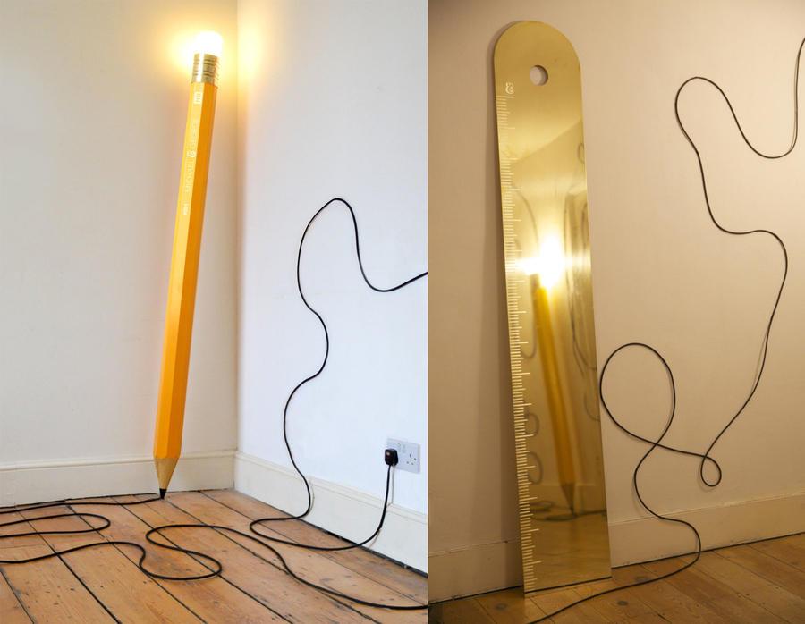 lámpara lápiz y espejo regla