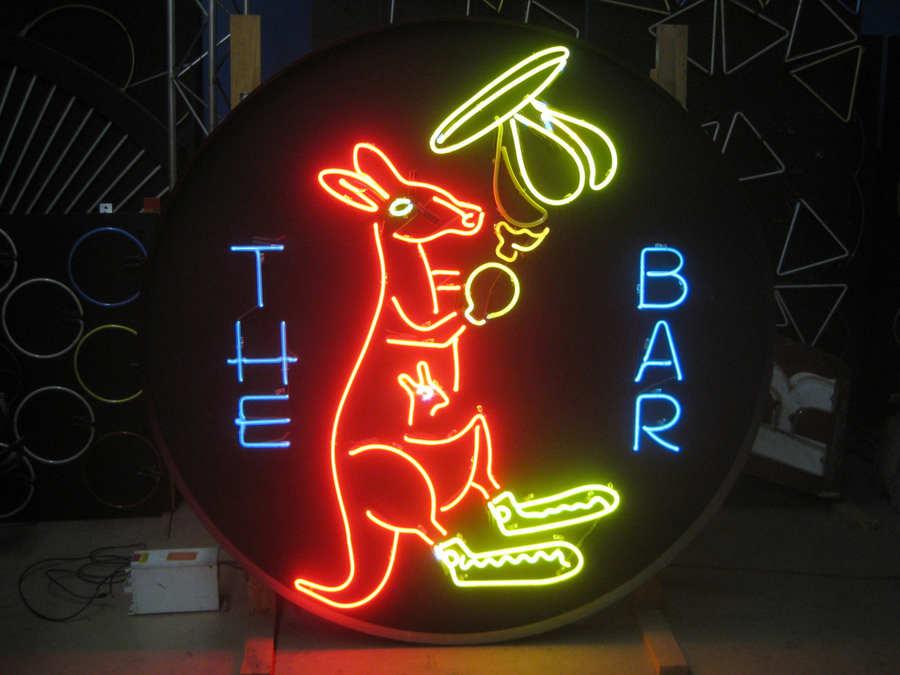 letreros de neon antiguos