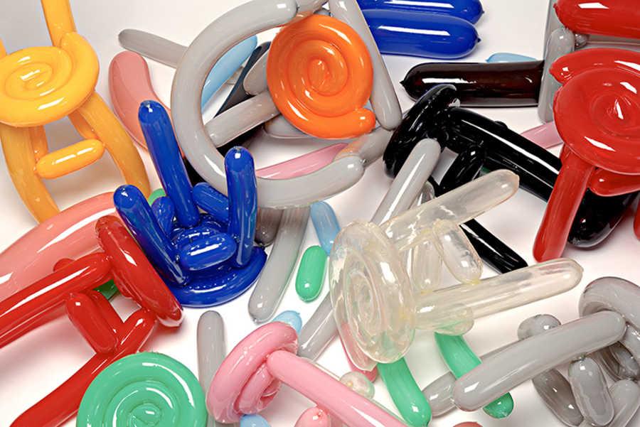 muebles hechos con globos