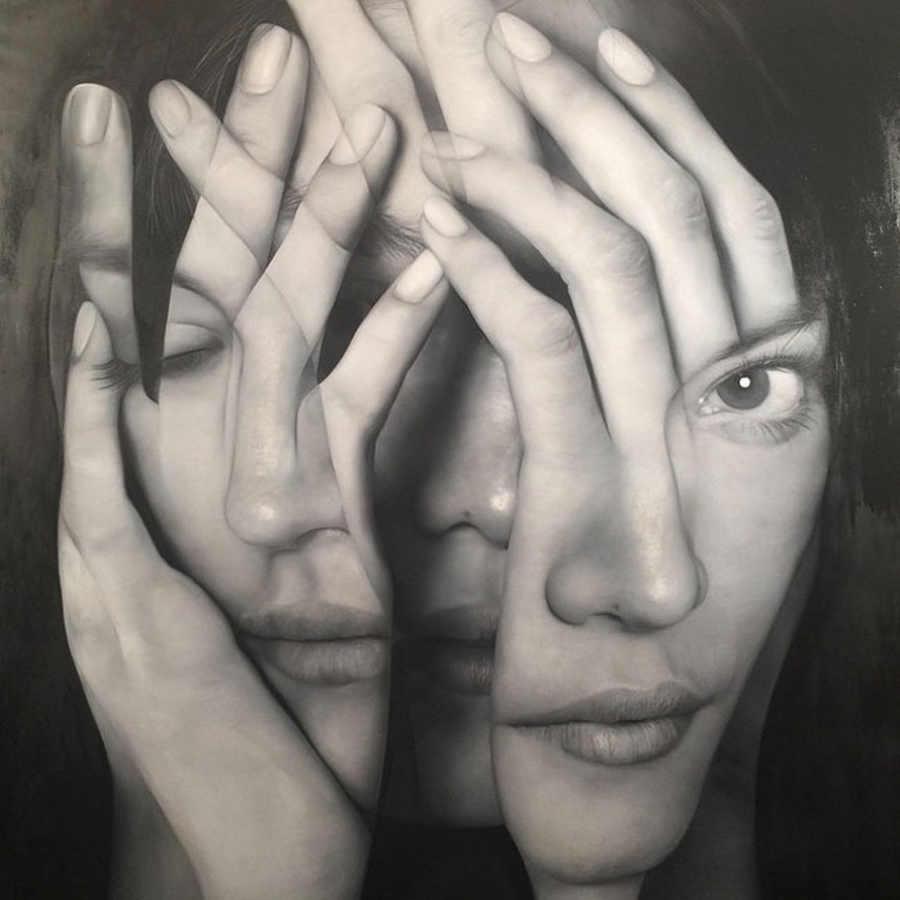 pinturas hiperrealistas hechas sobre manos