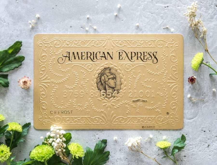 American Express hechas de papel