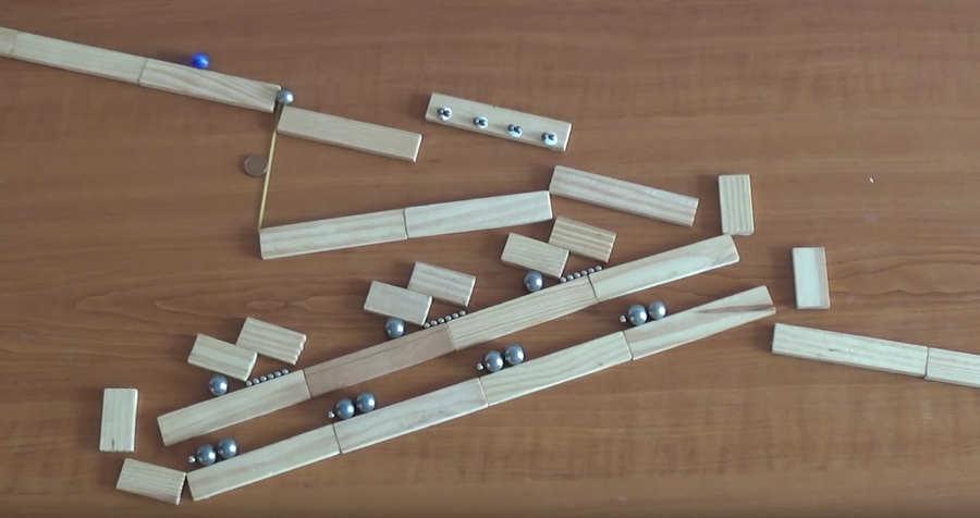 máquinas de Rube Goldberg con imanes
