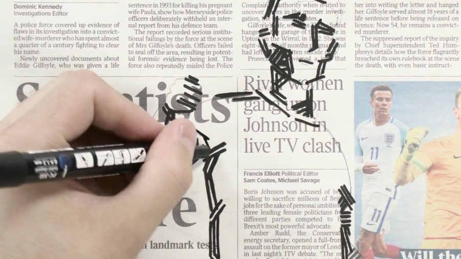animación entre titulares de periódicos