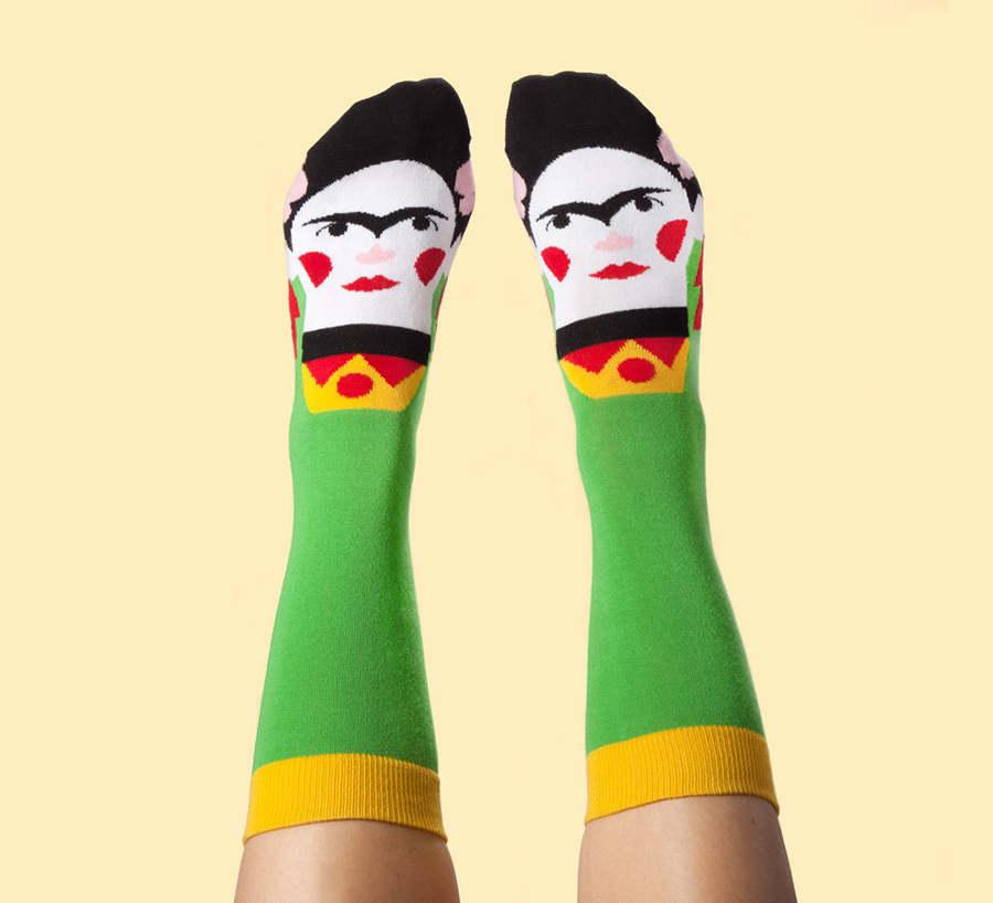 calcetines con rostros de pintores
