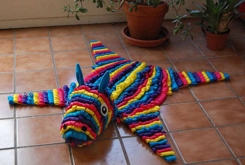 alfombra piñata de burro