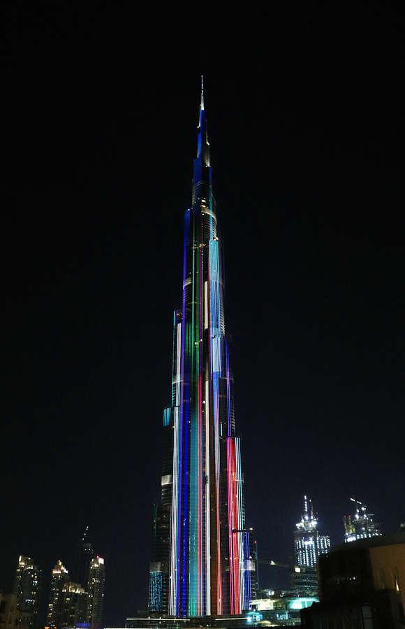 animaciones en el edificio más alto del mundo