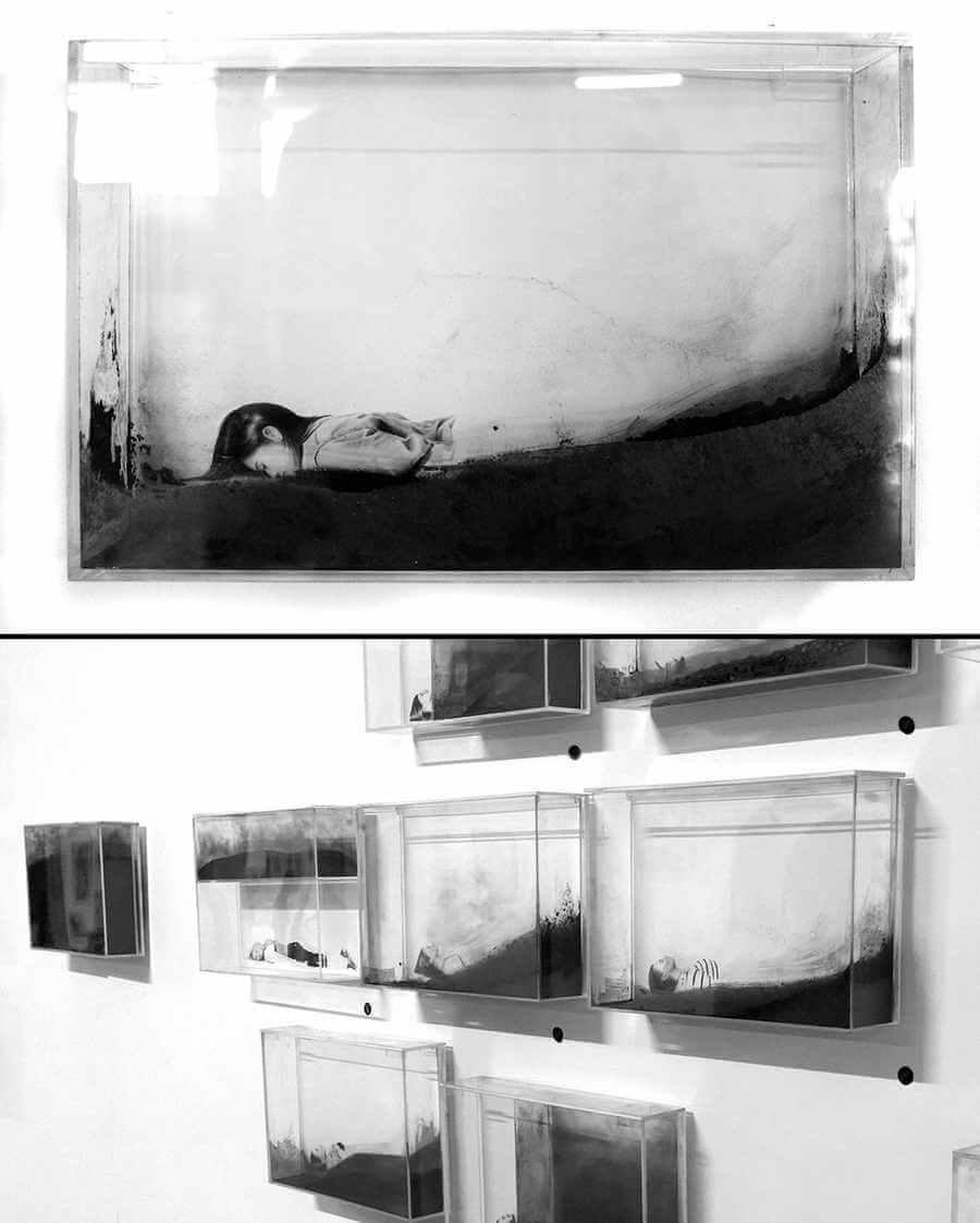 dibujos de personas interactuando con polvo de grafito