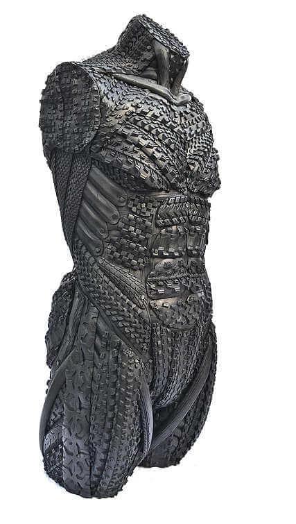 esculturas hechas con llantas