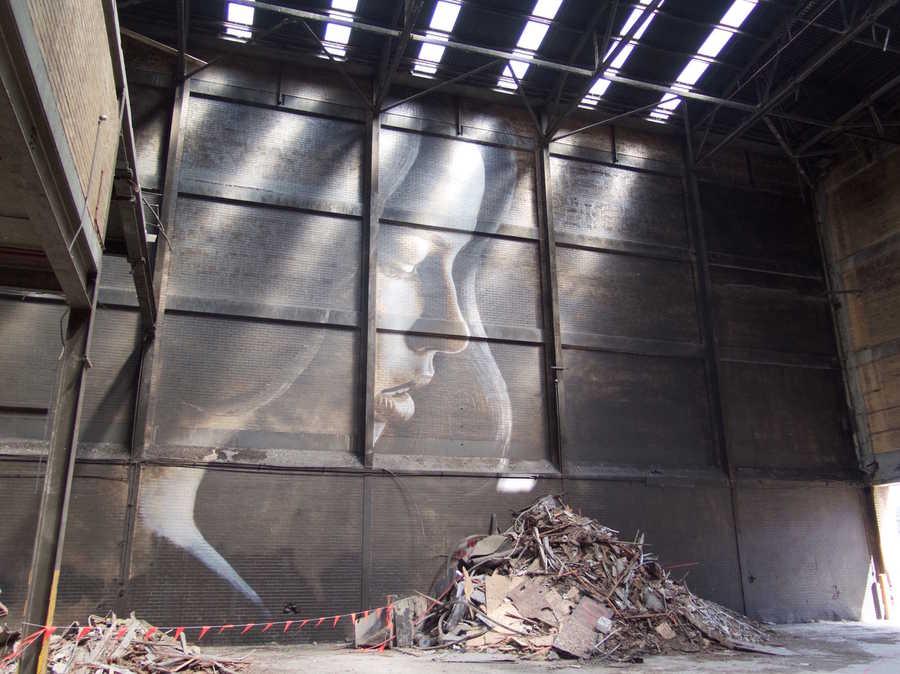 murales ocultos en fabrica abandonada
