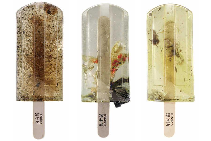 paletas de hielo con agua contaminada