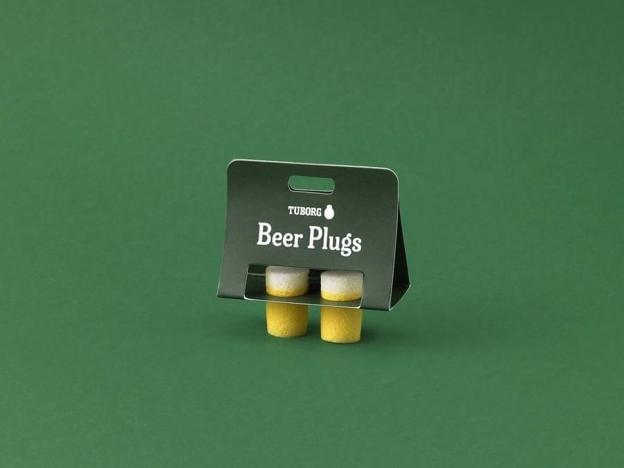 tapones para oídos con forma de vasos de cerveza