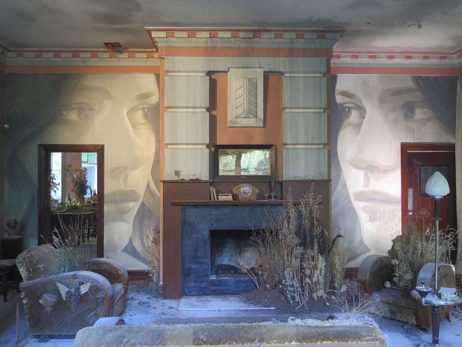 Pinturas en viejo edificio