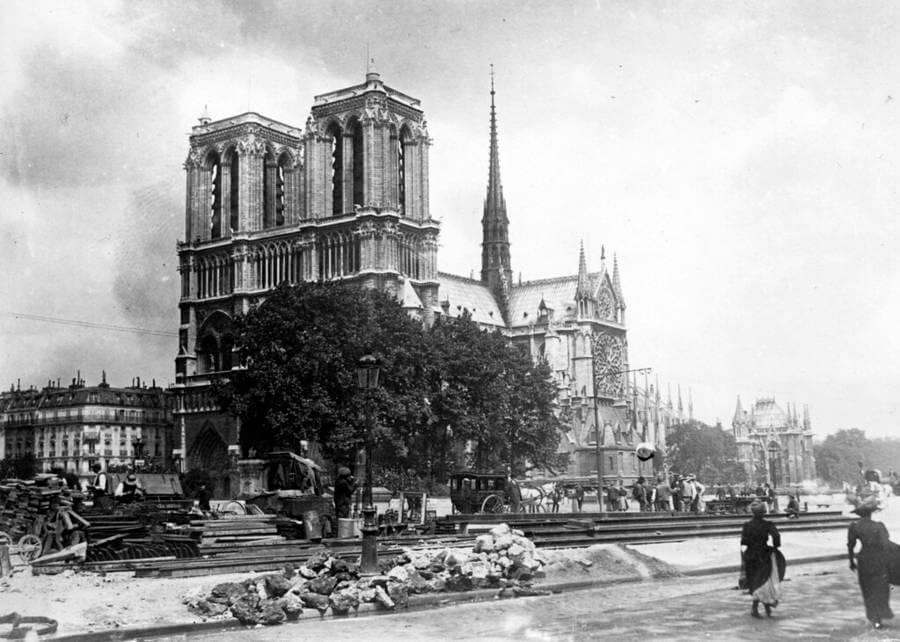 Arte libre de derechos de Notre-Dame