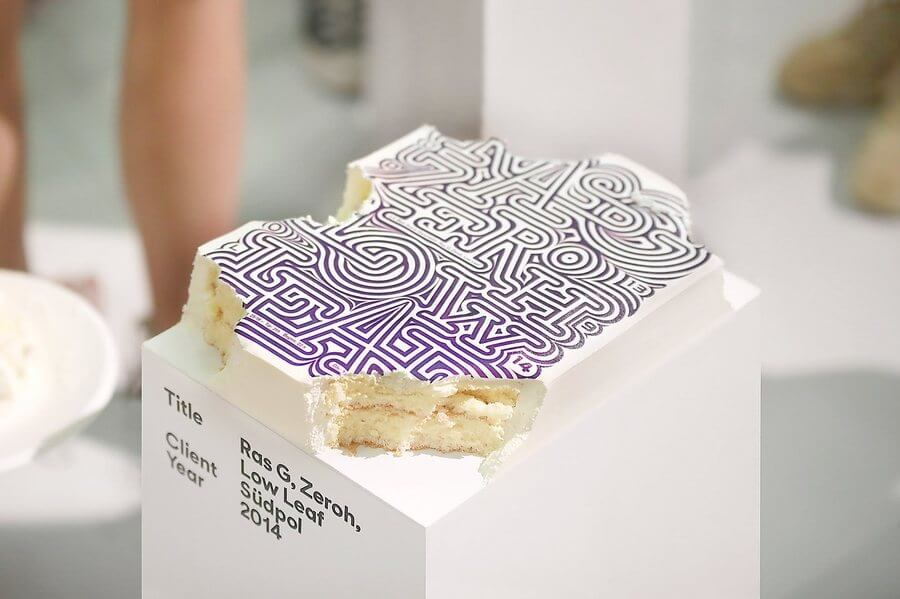 pasteles impresos con carteles