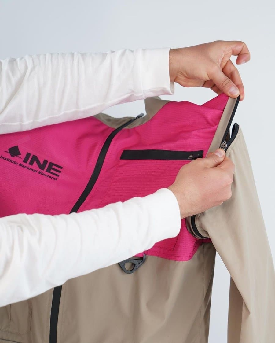 uniforme INE